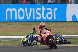 Crash: Marc Marquez, Repsol Honda Team, Valentino Rossi, Yamaha Factory Racing