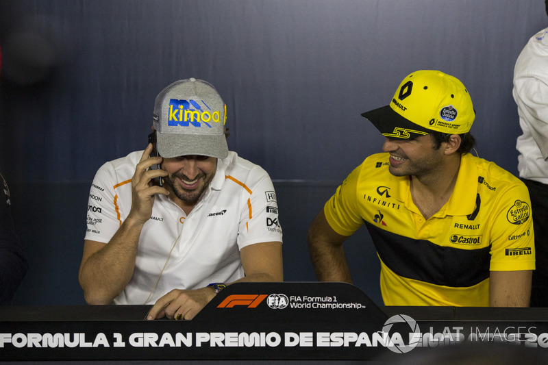 Fernando Alonso, McLaren e Carlos Sainz Jr., Renault Sport F1 Team nella conferenza stampa