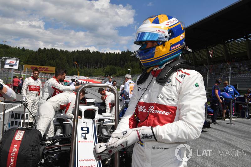 Marcus Ericsson, Sauber C37, in griglia
