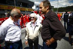 Bernie Ecclestone, erevoorzitter Formule 1, en Gerhard Berger