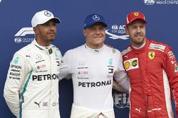 Polesitter Valtteri Bottas, Mercedes AMG F1, nummer twee Lewis Hamilton, Mercedes AMG F1, nummer drie Sebastian Vettel, Ferrari