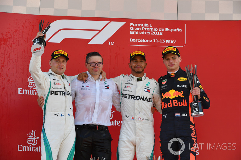 Bonnington, Mercedes AMG F1, Valtteri Bottas, Mercedes-AMG F1, Lewis Hamilton, Mercedes-AMG F1 y Max Verstappen, Red Bull Racing