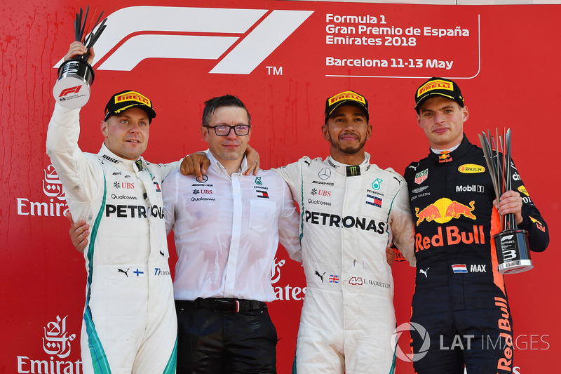 Valtteri Bottas, Mercedes-AMG F1, Peter Bonnington, Mercedes AMG F1 Race Engineer, Lewis Hamilton, Mercedes-AMG F1 and Max Verstappen, Red Bull Racing on the podium