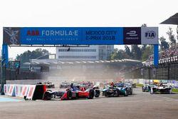 Felix Rosenqvist, Mahindra Racing, Oliver Turvey, NIO Formula E Team, at the start of the race