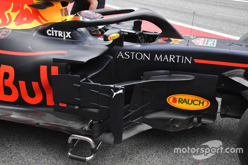 Red Bull Racing RB14 detalle de bargeboard