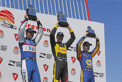 Sébastien Bourdais, Dale Coyne Racing with Vasser-Sullivan Honda, Graham Rahal, Rahal Letterman Lanigan Racing Honda, Alexander Rossi, Andretti Autosport Honda sur le podium