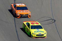 Paul Menard, Wood Brothers Racing, Ford Fusion Menards / Dutch Boy, Daniel Suarez, Joe Gibbs Racing,