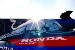 A Honda logo on the bodywork of a Toro Rosso