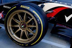 La Lotus E22 con gomme da 18 pollici