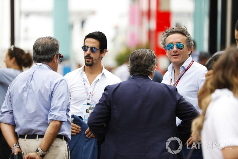 CEO Formula E, Alejandro Agag, bersama Lucas di Grassi
