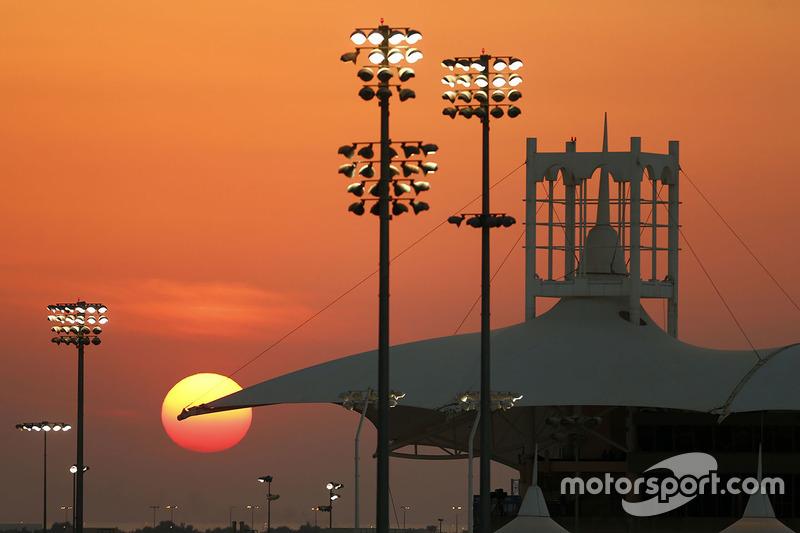 Один раз Гран При Бахрейна отменили: это случилось в 2011 году из-за беспорядков и напряженнойполитической ситуации в стране
