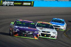 Denny Hamlin, Joe Gibbs Racing Toyota, Chase Elliott, Hendrick Motorsports Chevrolet, Ryan Blaney, Wood Brothers Racing Ford