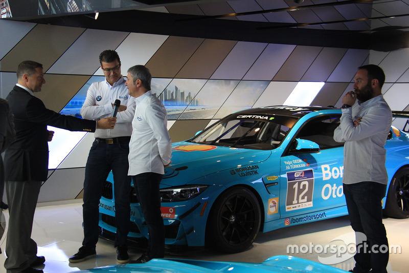 Borusan Otomotiv İcra Kurulu Başkanı Hakan Tiftik ve Borusan Otomotiv Motorsport Takım Patronu İbrah