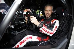 #18 Tiago Monteiro, Boutsen Ginion Racing Honda Civic Type R TCR