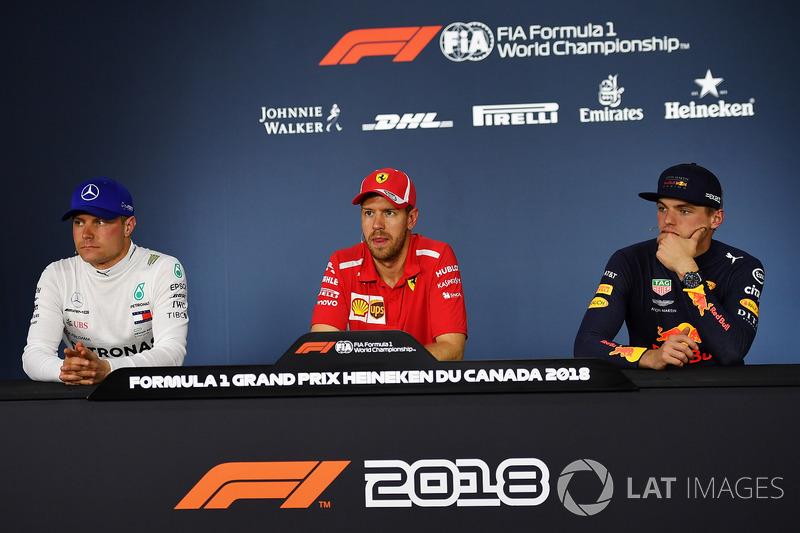 Valtteri Bottas, Mercedes-AMG F1, Sebastian Vettel, Ferrari et Max Verstappen, Red Bull Racing lors de la conférence de presse