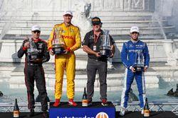 Will Power, Team Penske Chevrolet, Ryan Hunter-Reay, Andretti Autosport Honda, Michael Andretti, Scott Dixon, Chip Ganassi Racing Honda