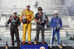 Podium: 1. Ryan Hunter-Reay, 2. Will Power, 3. Ed Jones, mit Michael Andretti