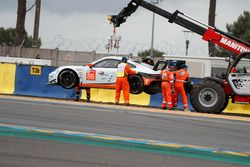 Spin of car #86 Gulf Racing Porsche 911 RSR: Michael Wainwright, Benjamin Barker, Alex Davison