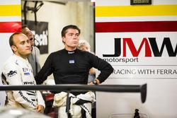 رقم 85 فريق كيتينغ موتورسبورت فيراري 488: بن كيتنغ، جيرون بليكيمولين، لوكا ستولز