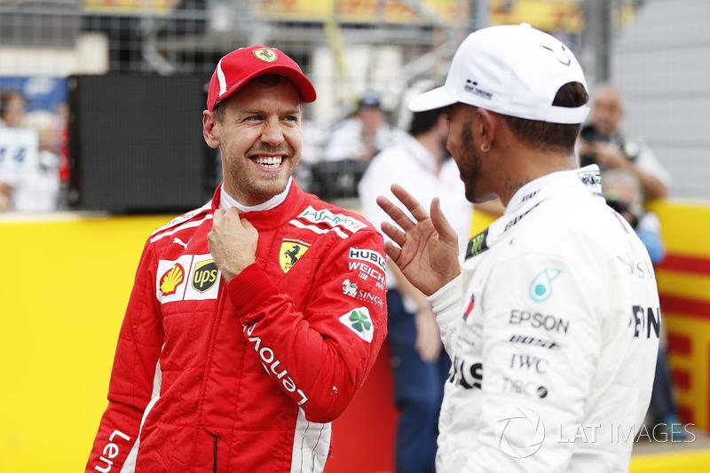 Sebastian Vettel, Ferrari, tercero en la clasificación del GP de Francia y Lewis Hamilton, Mercedes AMG F1, poleman
