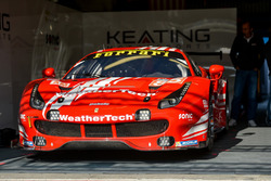 Автомобиль Ferrari 488 GTE (№85) команды Keating Motorsports