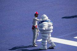 Lucas di Grassi, Audi Sport ABT Schaeffler, greets the Michelin man