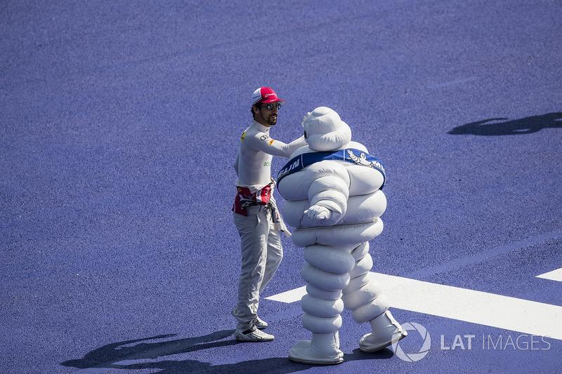 Lucas di Grassi, Audi Sport ABT Schaeffler, bertemu Michelin man