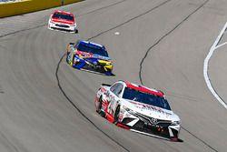 Erik Jones, Joe Gibbs Racing, Toyota Camry Sport Clips and Kyle Busch, Joe Gibbs Racing, Toyota Camr