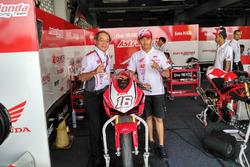 Toshiyuki Inuma, Presiden Direktur PT Astra Honda Motor dan Mario Suryo Aji, Astra Honda Racing Team