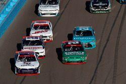 William Byron, JR Motorsports Chevrolet, Daniel Hemric, Richard Childress Racing Chevrolet, restart