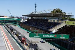 Pierre Gasly, Scuderia Toro Rosso STR12, Marcus Ericsson, Sauber C36, Lance Stroll, Williams FW40