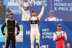Podio: il vincitore della gara, Sam Bird, DS Virgin Racing, il secondo classificato Jean-Eric Vergne, Techeetah, il terzo classificato Nick Heidfeld, Mahindra Racing