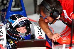 Nick Heidfeld, Mahindra Racing, in the garage