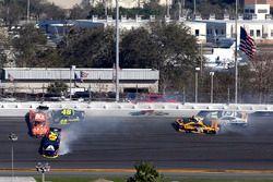 William Byron, Hendrick Motorsports,AXALTA Chevrolet Camaro, Daniel Suarez, Joe Gibbs Racing Toyota and Jimmie Johnson, Hendrick Motorsports Chevrolet Camaro crash