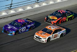 Darrell Wallace Jr., Richard Petty Motorsports Ford Fusion, Martin Truex Jr., Furniture Row Racing T