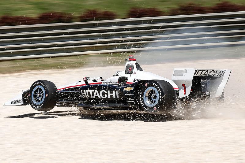 Josef Newgarden, Team Penske Chevrolet dans les graviers