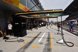 Renault Sport F1 Team pit box