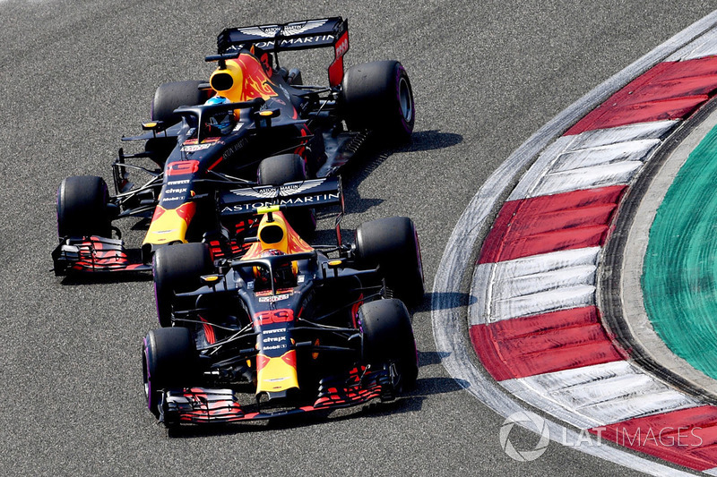 Max Verstappen, Red Bull Racing RB14 y Daniel Ricciardo, Red Bull Racing RB14