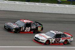 Ryan Blaney, Team Penske Ford and Erik Jones, Joe Gibbs Racing Toyota