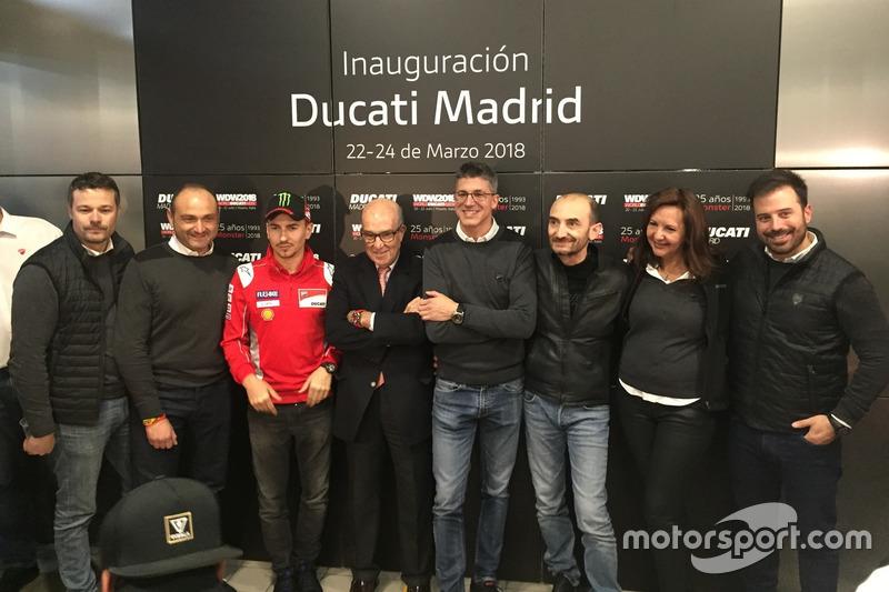 Jorge Lorenzo y Claudio Domenicali durante la presentación de la nueva tienda de Ducati en Madrid