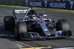 Lewis Hamilton, Mercedes-AMG F1 W09 oefenstart