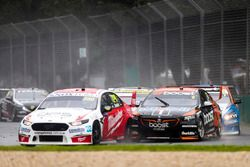 Will Davison, 23Red Racing Ford, leads Scott Pye, Walkinshaw Andretti United Holden, and Andre Heimg