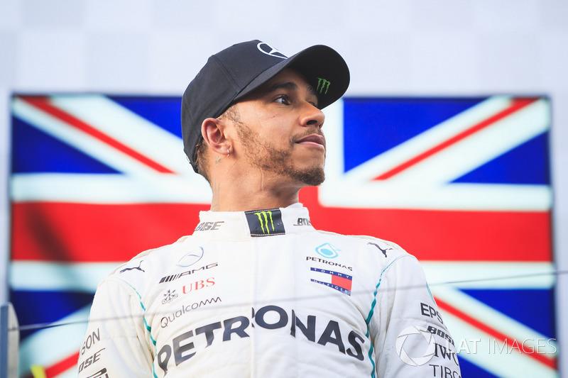 """Lewis Hamilton: """"Eu ainda não entendi o que aconteceu. Fiz tudo o que acho que deveria ter feito"""""""