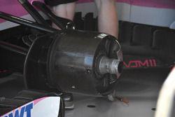Force India VJM11, dettaglio della pinza del freno posteriore