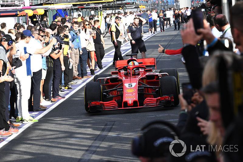 Sebastian Vettel, Ferrari SF71H llega al parque cerrado