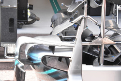 Mercedes-AMG F1 W09, pontones