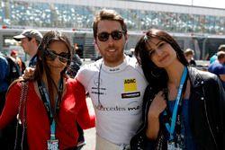 Daniel Juncadella, Mercedes-AMG Team HWA with fans