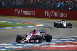 Esteban Ocon, Force India VJM11, leads Marcus Ericsson, Sauber C37