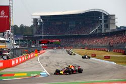 Max Verstappen, Red Bull Racing RB14, leads Kevin Magnussen, Haas F1 Team VF-18, Nico Hulkenberg, Renault Sport F1 Team R.S. 18, and Romain Grosjean, Haas F1 Team VF-18