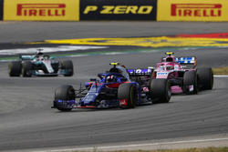 Pierre Gasly, Toro Rosso STR13, leads Esteban Ocon, Force India VJM11, and Lewis Hamilton, Mercedes AMG F1 W09